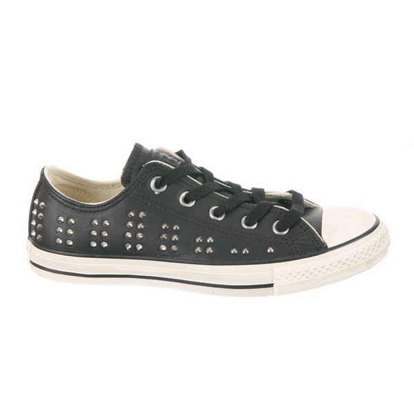 Chuck Taylor Leather Studs Ox