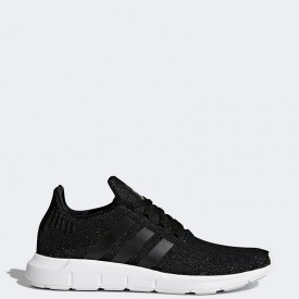 Adidas Women's Swift Run in Core Black/White